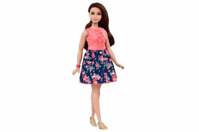 new-barbie-body-shape-curvy-4